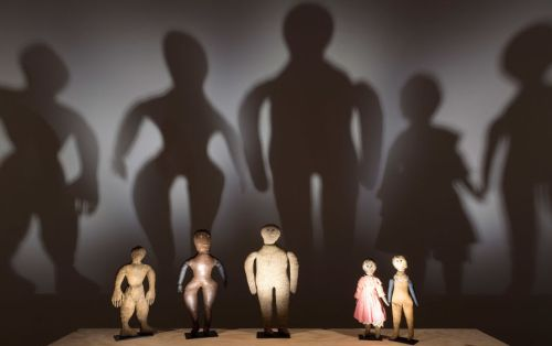 black-dolls-maison-rouge-otu-img.jpg